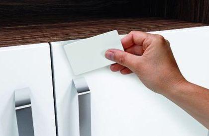 Elektronische Schließsysteme für Möbel von Hettich